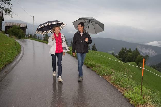 Gute Laune trotz strömendem Regen: Eveline Widmer-Schlumpf und ihr Mann Christoph Widmer-Schlumpf.