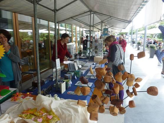 Markt vor dem Begegnungszentrum