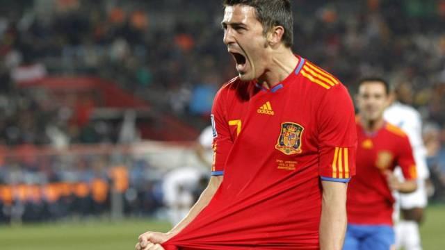 David Villa feiert seinen Treffer