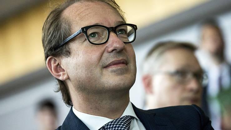 Der deutsche Verkehrsminister Alexander Dobrindt musste das Treffen aus Sicherheitsgründen an einen anderen Ort verlegen. (Archiv)
