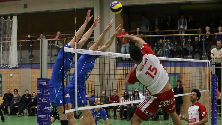 Volley Schönenwerd verliert den Saisonauftakt klar gegen Näfels.
