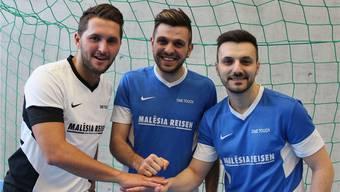 Shqiptar Hamdiu, Boris Dabic und Labinot Osmani (v.l.) wollen am Indoor Soccer Cup Mitte Februar ihren Titel verteidigen. marc friedli