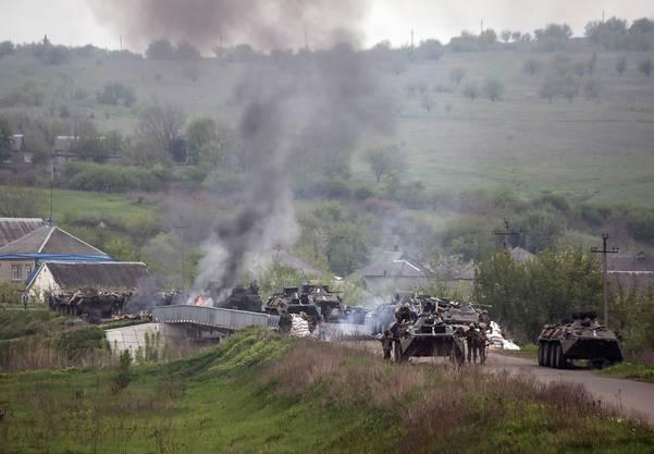 Die ukrainischen Truppen sind mit schwerem Gerät aufgefahren.