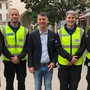 Personal der «City Patrol Baden», hier mit Stadtrat Matthias Gotter (Mitte).