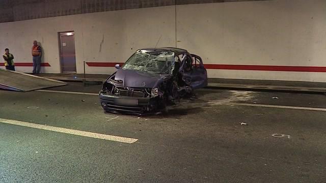 Frontalkollision in Autobahntunnel