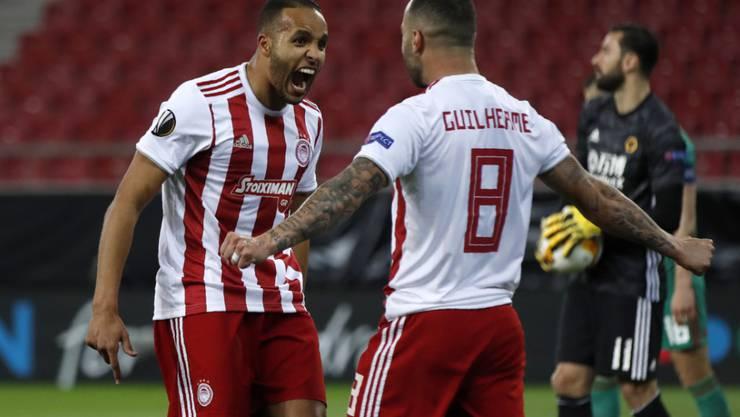 Die Spieler von Olympiakos Piräus haben nach dem 45. Meistertitel der Klubgeschichte allen Grund zum Jubeln