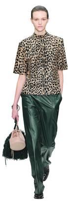 Klassik und Eleganz statt Rebellion: die Garderobe von Tod's . Bild: Getty Images