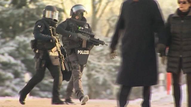 Zwei teils schwer verletzte Polizisten, Täter tot