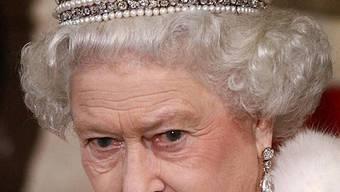 Die Queen soll sich in Anti-Krisen-Dokumente einlesen (Archiv)