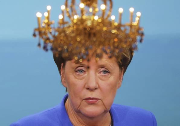 Das Krönchen gehört Angela Merkel