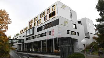 Der Stiftungsrat des Binninger Alters- und Pflegeheimes liess von einer Immobilienfirma verschiedene Varianten durchrechnen, bei denen die Gebäude verkauft und für den Betrieb zurückgemietet werden sollten.