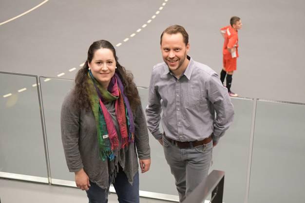 Sie konnten auf rund 80 Helfer zählen: OK-Chefin Claudia Stüssi und der Juniorenobmann des FC Dietikon, Pascal Stüssi.