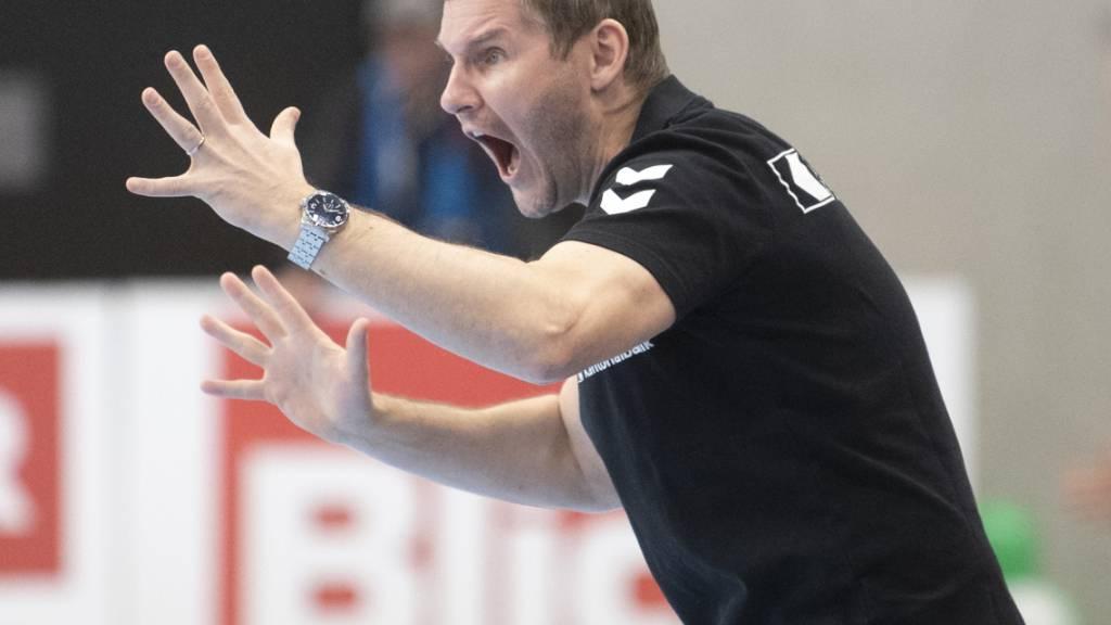 Schaffhausens Trainer Petr Hrachovec muss sich mit seinem Team in der NLA-Saison schon früh ein erstes Mal geschlagen geben