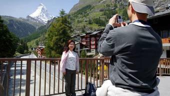 Vor dem Matterhorn: Japanische Touristen (Archiv).