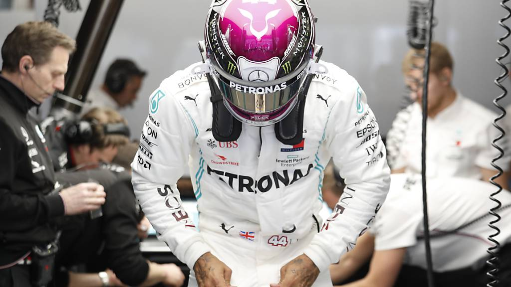 Mercedes und Hamilton gleich wieder tonangebend