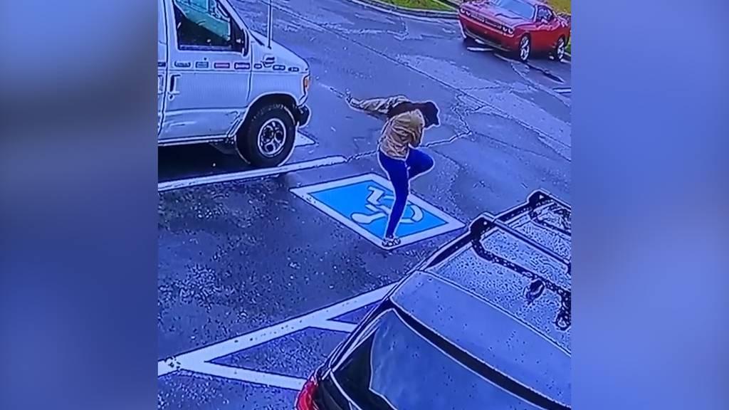 Nach zwei Jahren hat diese Obdachlose einen Grund zum Tanzen