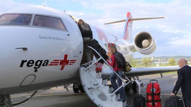 Team der Humanitären Hilfe reist nach Kathmandu (Rega/Keystone)