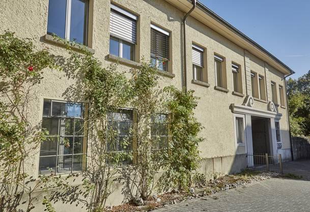 Heute befindet sich das Coworking Space Loreto an der Florastrasse 14, wo einst die niedergebrannte Schraubenfabrik stand.