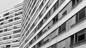Die Zinsen für Festhypotheken fallen auf rekordtiefe Niveaus. (Archiv)