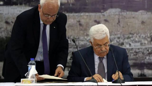 Mahmud Abbas unterzeichnet mehrere Verträge