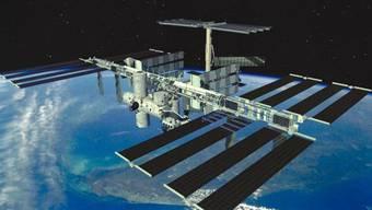 Seit über 20 Jahren operiert die Raumstation ISS im All. Nochmal 10 Jahre liegen drin, meint die russische Raumfahrtbehörde Roskosmos. (Archivbild)