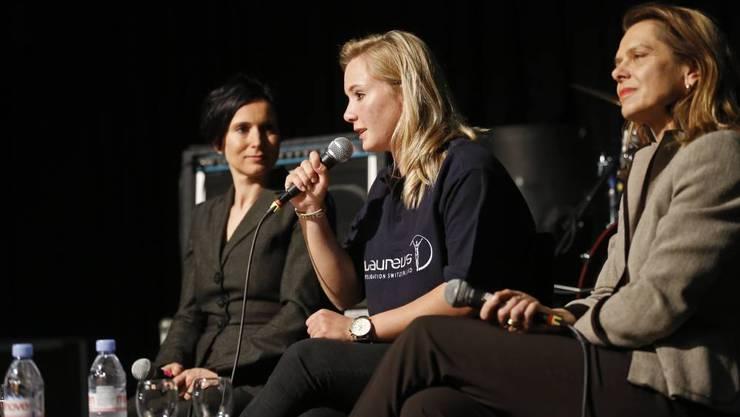 Pascal Bruderer Wyss, Ariella Käslin, Franziska von Weissenfluh beantworten Fragen aus dem Publikum