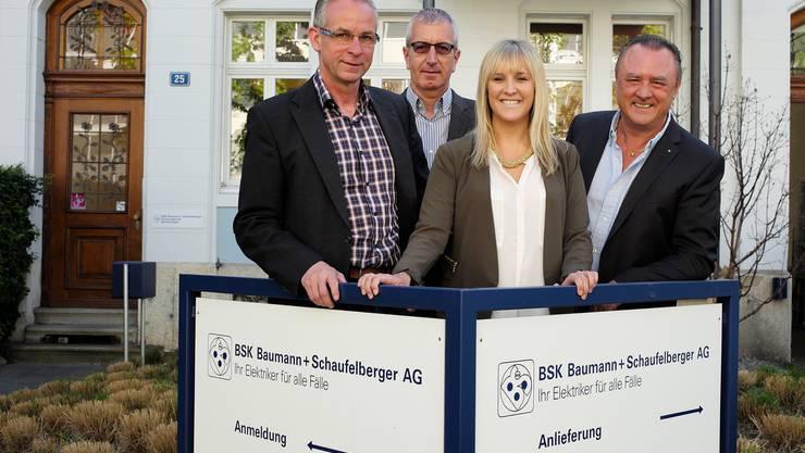 Das Elektro-Unternehmen BSK Baumann + Schaufelberger gewinnt den Basler Sozialpreis 2015. Das Team von links: Urs Fitz, GL Basel, Markus Saner, GL Basel, Sarah Guarda, Personalwesen, und Hans-Peter Guarda, GL Kaiseraugst.
