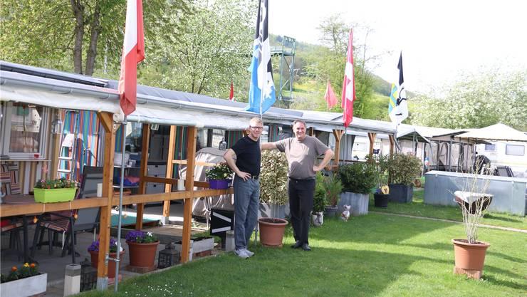 Fabian Benz und Roger Mösch (r.) freuen sich über eine steigende Nachfrage auf dem Fricker Camping-Platz. (Archivbild: April 2018)