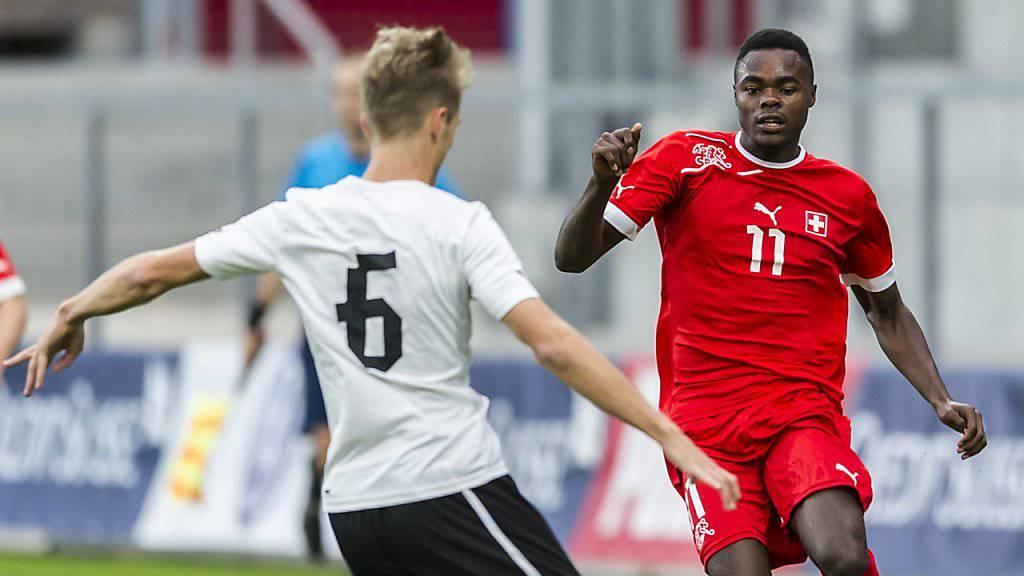 Dimitri Oberlin (rechts, im Trikot der Schweizer U19-Nationalmannschaft) feierte bei seinem neuen Verein Altach einen perfekten Einstand