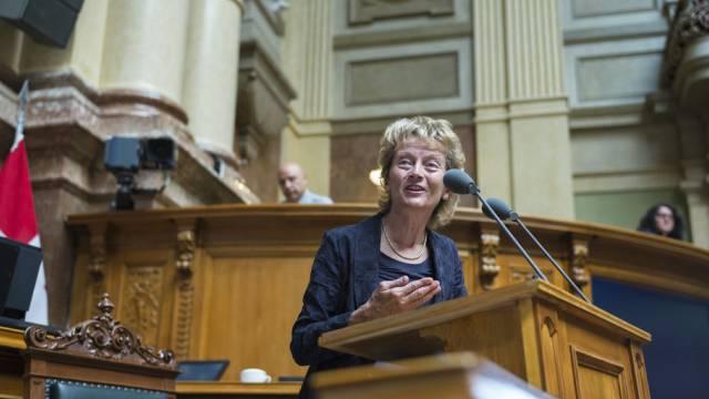 Bundesrätin Eveline Widmer-Schlumpf spricht vor dem Nationalrat