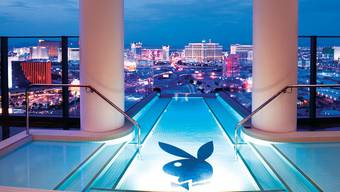 Im Pool von Hugh Hefners Playboy-Villa warten tödliche Bakterien (Symbolbild)