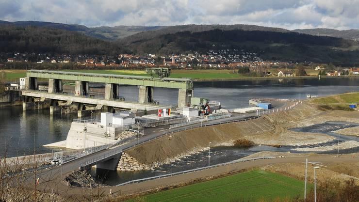 Rheinufer bei Leibstadt: Dank Dotierturbine beim Stauwehr gab es 43 Prozent mehr Strom.  Angelo Zambelli Rheinufer bei Leibstadt: Dank Dotierturbine beim Stauwehr gab es 43 Prozent mehr Strom.  Angelo Zambelli