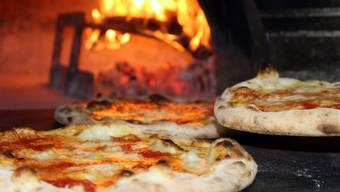 Pedro Lenz: «Warum «Pizzen» korrekter sein soll als «Pizzas» entzieht sich jedoch meiner bescheidenen Sprachkenntnis.»