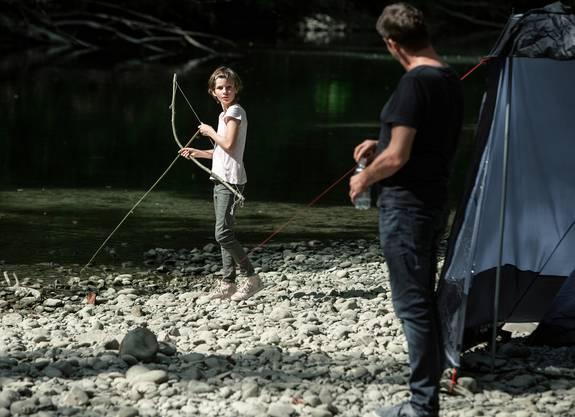 Im Versteck des Kidnappers: Céline (Mara Müller) und Sebastian Lötscher (Roeland Wiesnekker).