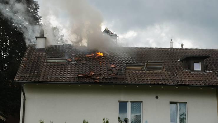 Alle Anwohner konnten unverletzt das Haus verlassen.