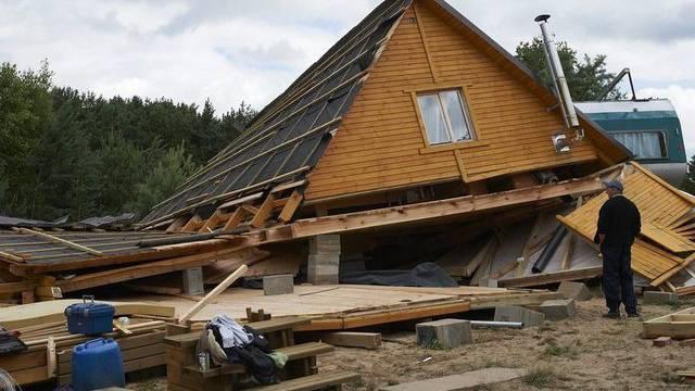 Zerstörtes Haus in Wycinki