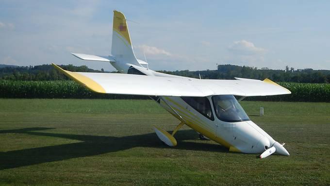 Landung auf dem Flugplatz in Sitterdorf TG schief gegangen: Der Pilot und eine Insassin hatten Glück.