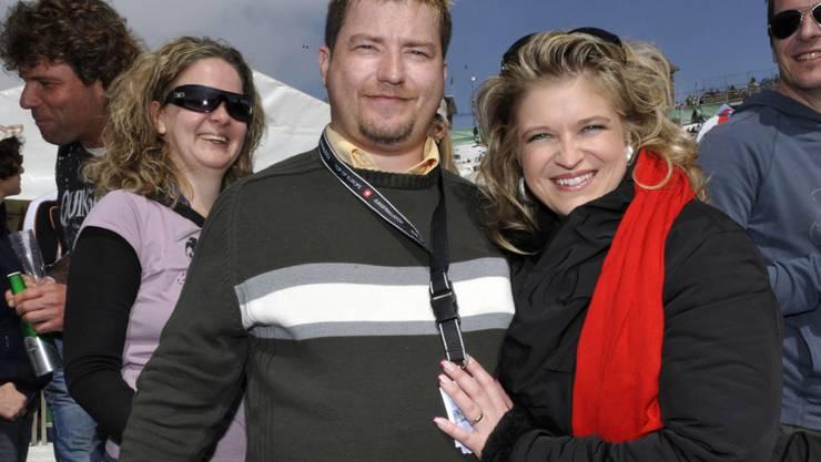 Ein Bild aus glücklicheren Zeiten: Schlagersängerin Monique mit Noch-Ehemann Kaspar am Snowopenair auf der Kleinen Scheidegg. (2010)