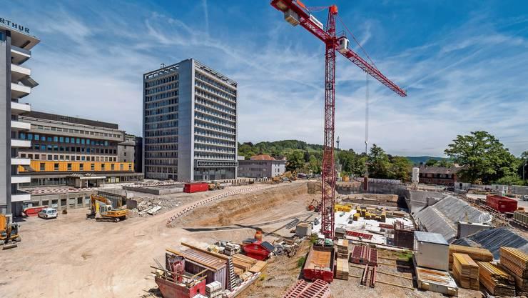 Hier entsteht ein neuer Bettentrakt für das Kantonsspital Winterthur: KSW-Direktor Rolf Zehnder wäre «hochglücklich», wenn schon in zwei Jahren ein neues KSW-Gesetz käme.