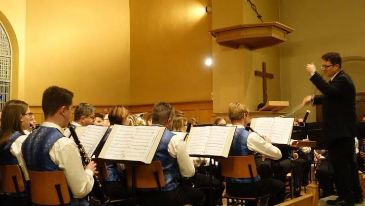 Die MG Konkordia Balsthal konzertierte erstmals unter der Leitung von Wolfgang Nussbaumer in der Reformierten Kirche.