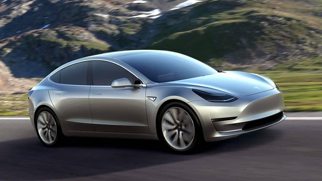 Elektromobilität für die Masse: Am Freitag startet die Produktion des Tesla-Mittelklassewagens Model 3.