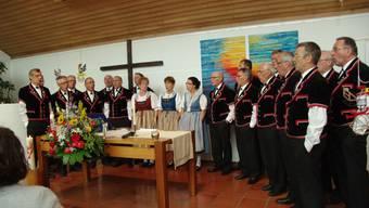 Der Jodlerclub Rheinfelden-Laufenburg untermalte musikalisch die 25-Jahre-Feier. hcw