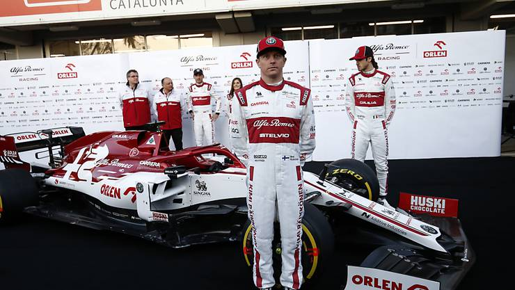 """Kimi Räikkönen und das Alfa-Romeo-Team stellen in Montmeló den """"C39"""" vor"""