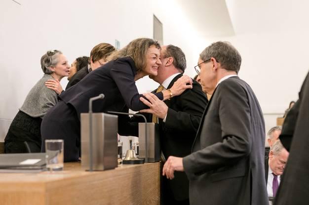 Regierungsrat Markus Dieth gratuliert seiner Parteikollegin.
