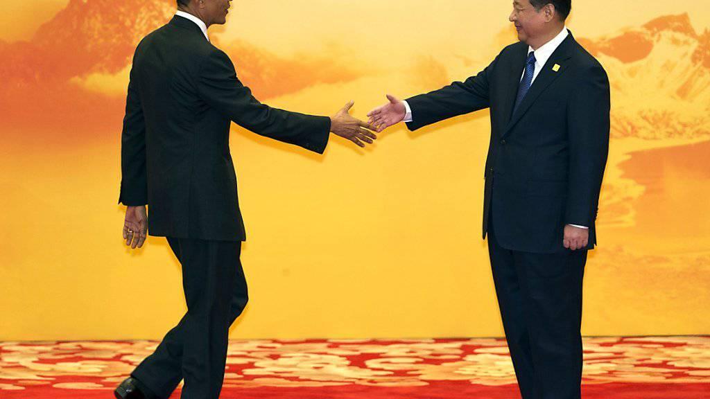 Ein grosser Schritt, damit das UNO-Klimavertrag in Kraft tritt: Obama (l.) und Xi übergaben der UNO die nötigen Dokumente, damit ihre Länder dem Abkommen beitreten. (Archiv)