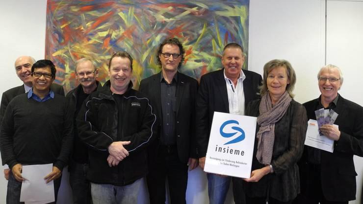 (Von links): Georg Schoop, Fernando Espinoza, Beat Hunziker, Rolf Seiler, Geri Müller, Christoph Heule, Uschi Steiner und André Signer.gal