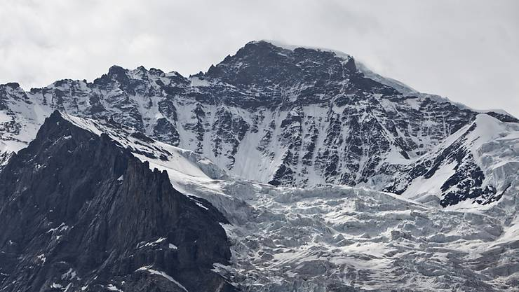 Wie formen Gletscher die typische alpine Landschaft? Mithilfe kosmischer Teilchen können Forschende unter den Eigergletscher blicken. (Archivbild)