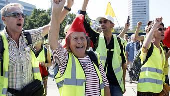 """Die französischen """"Gelbwesten"""" haben für einmal in Genf demonstriert. (KEYSTONE/Salvatore Di Nolfi)"""