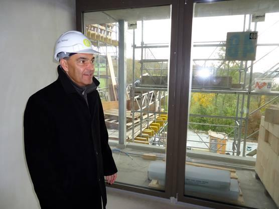 Hotelier Felix Suhner in der Baustelle des neuen Hotel Seerose Cocon am Hallwilersee