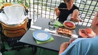 Schweizer essen im Durchschnitt nur etwas zu viel (Symbolbild)